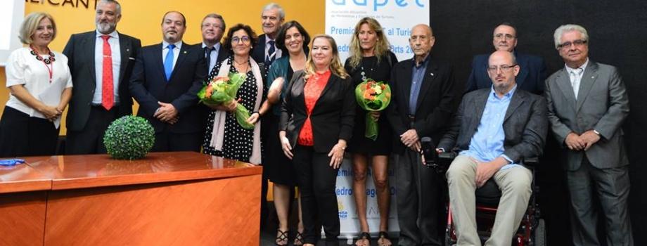 """Emotiva entrega de los premios de AAPET al turismo """"Pedro Zaragoza Orts"""" 2016, por Marga de la Vega"""