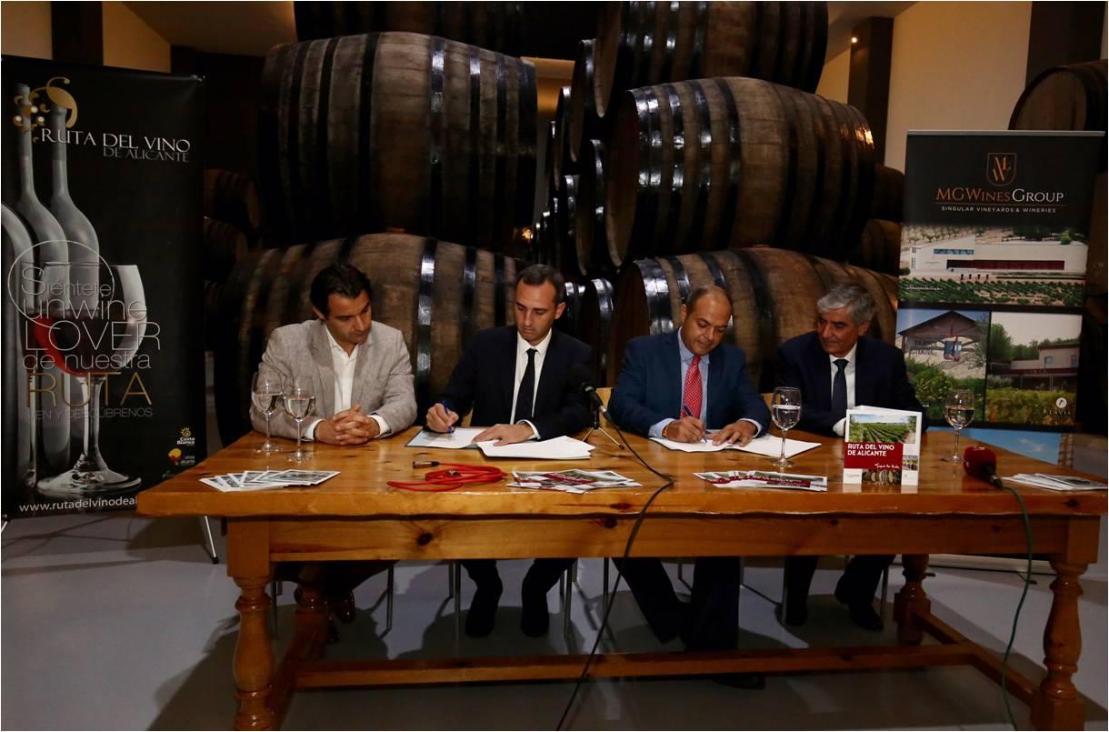 La diputaci n de alicante firma un convenio con la rva for Oficina de turismo alicante